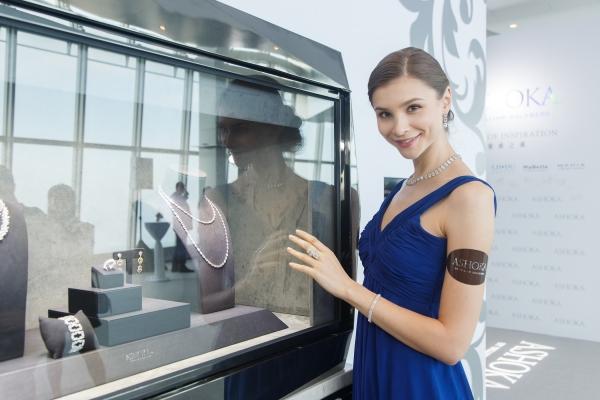 Model wearing ASHOKA diamond jewelry, Hong Kong
