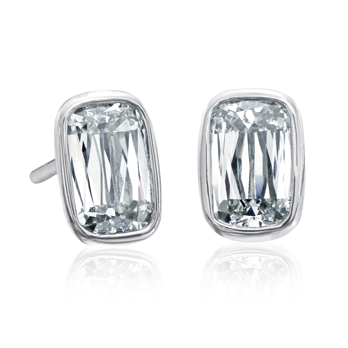 ASHOKA Stud Earrings